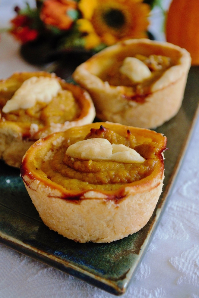 gluten-free pumpkin pie milkandmarigolds.com