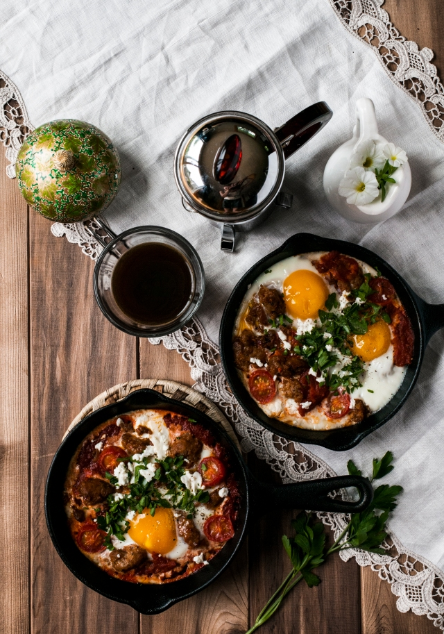 cast iron breakfast pans