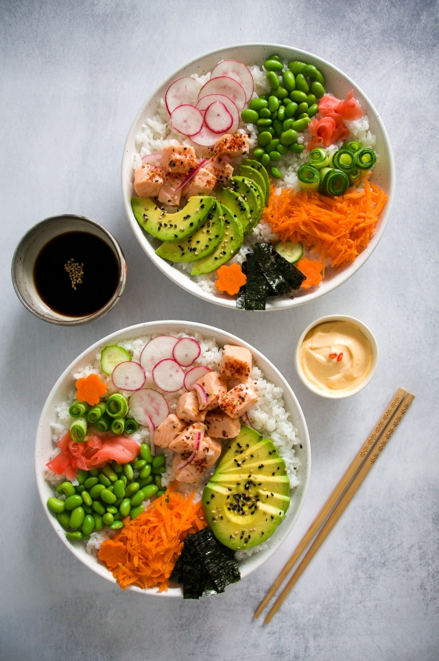 salmon sushi bowl by milkandmarigolds.com
